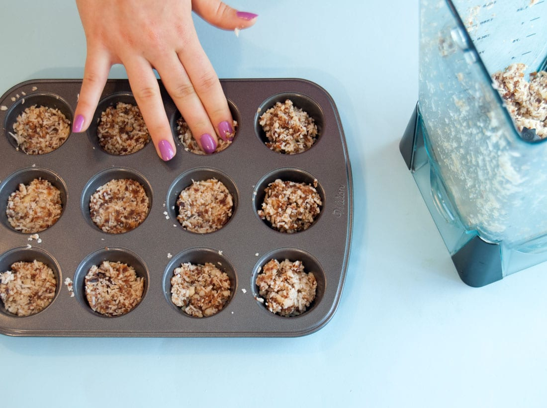 "Raw Cheesecake Bites -- These vegan gluten free bite sized ""cheesecake"" bites are so delicious and way healthier than the original counterpart. 