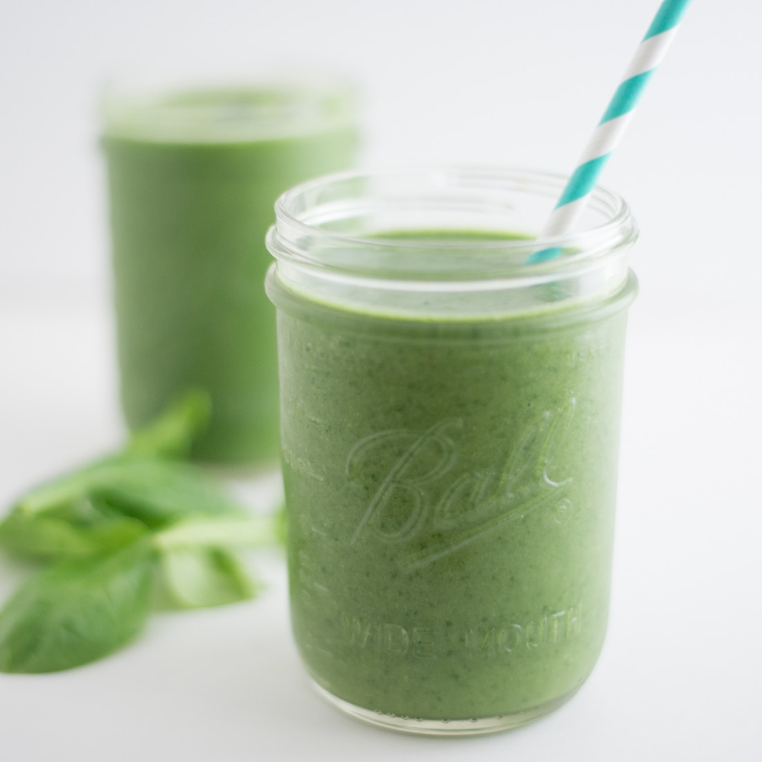 Green Superfood Smoothie -- Throw all the ingredients in your blender for an easy vegan breakfast or snack. - mindfulavocado
