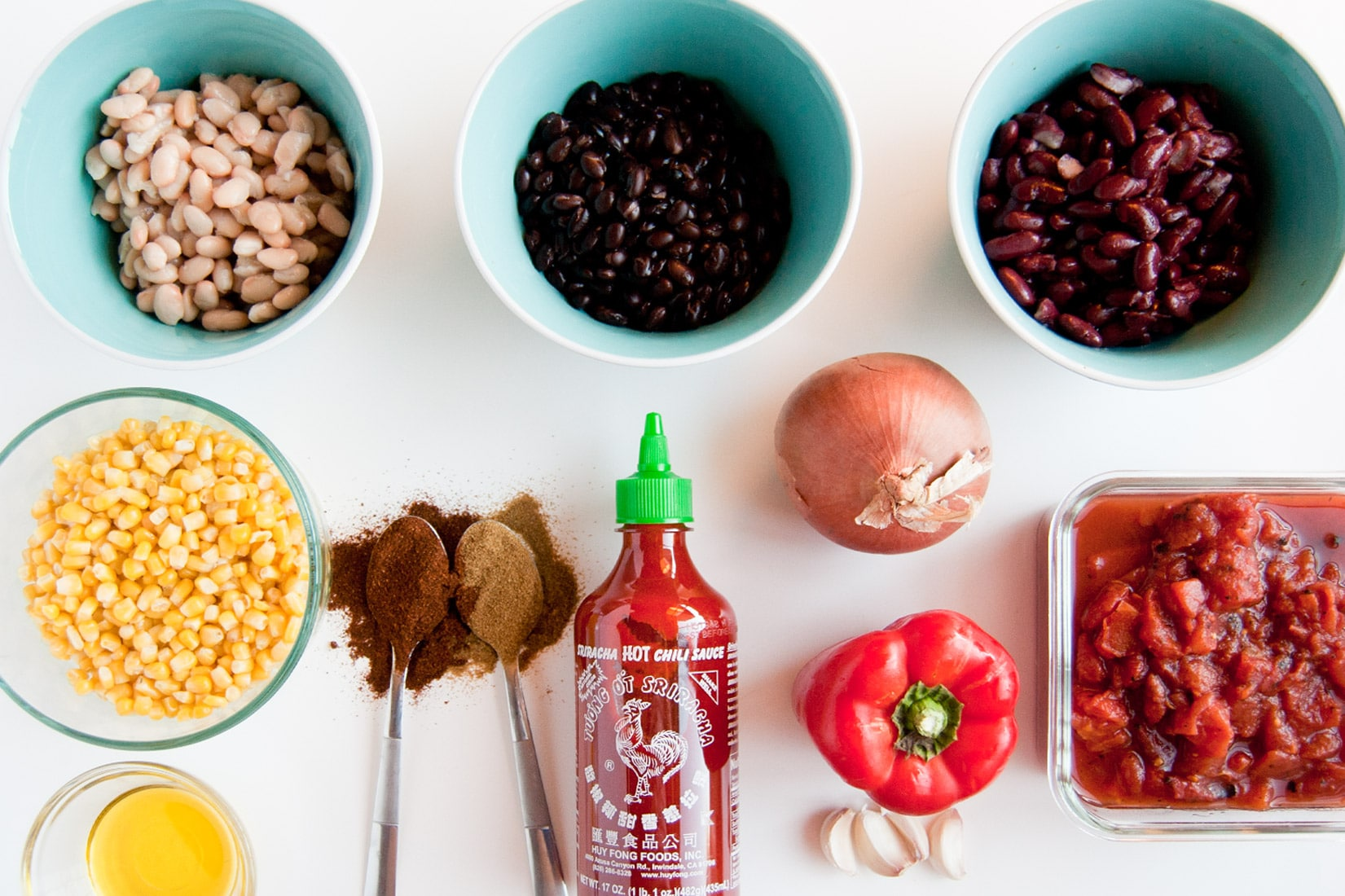 Vegan Sriracha Chili -- This hearty chili is comforting on a cold day and makes a great wholesome plant based meal. | mindfulavocado