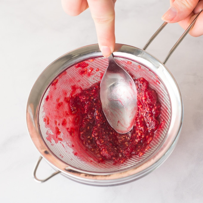 how to remove seeds from raspberries to make raspberry puree