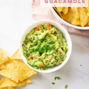 The BEST guacamole recipe EVER! All simple ingredients and so easy to make! Try this authentic guacamole recipe for your next party! #guacamole #vegan #vegetarian #healthysnack #keto #whole30 #paleo #glutenfree - Mindful Avocado