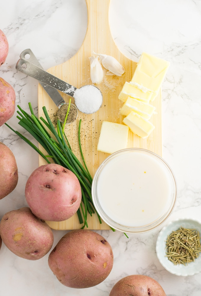 ingredients for vegan garlic mashed potatoes