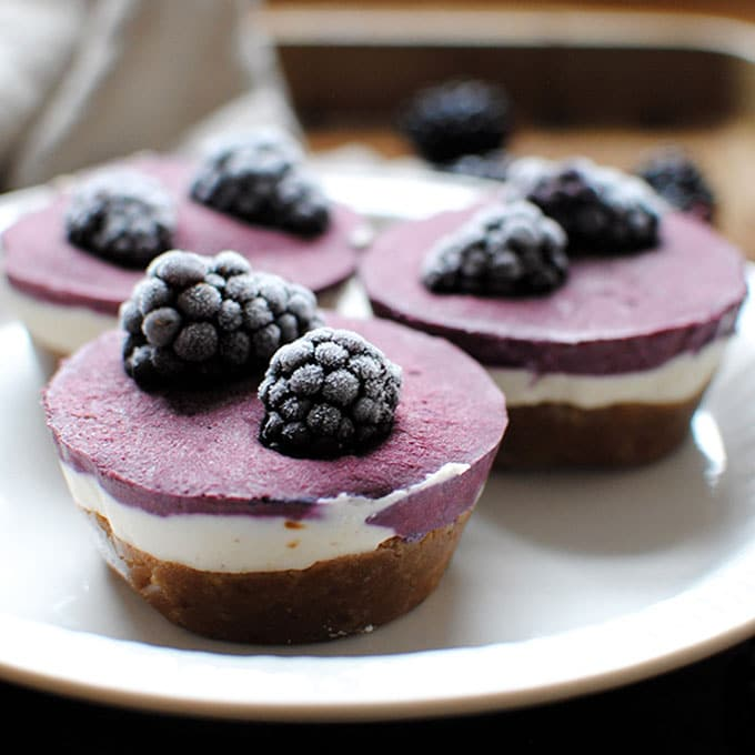 raw blackberry cheesecake