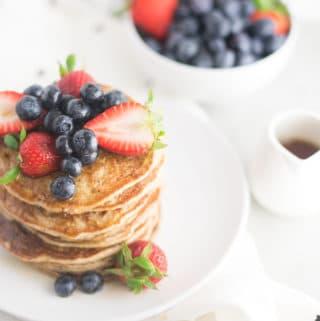 Vegan Banana Pancakes – 3 Ingredients!