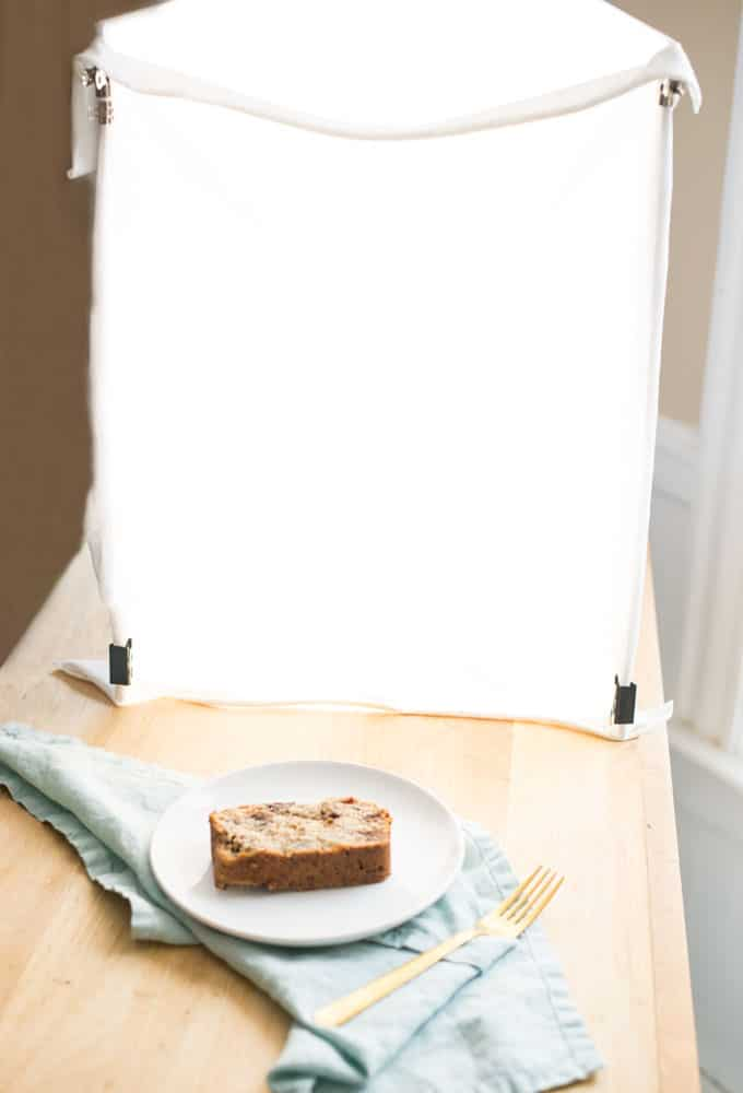 how to make a photography lightbox. great for food photography