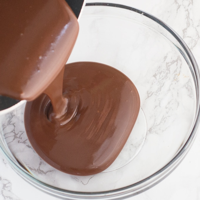 vegan chocolate sauce in glass bowl
