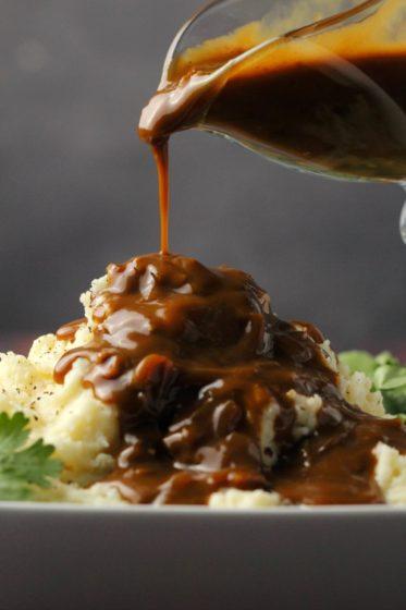 vegan gravy by Loving it Vegan