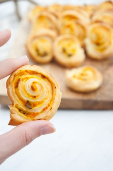 pumpkin basil pinwheels by Elephantastic Vegan for vegan Thanksgiving appetizer recipe