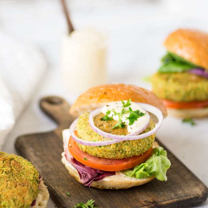 """Cheesy"" Broccoli Vegan Burgers"