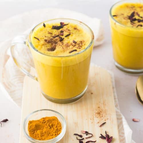 Turmeric Latte {Vegan!}