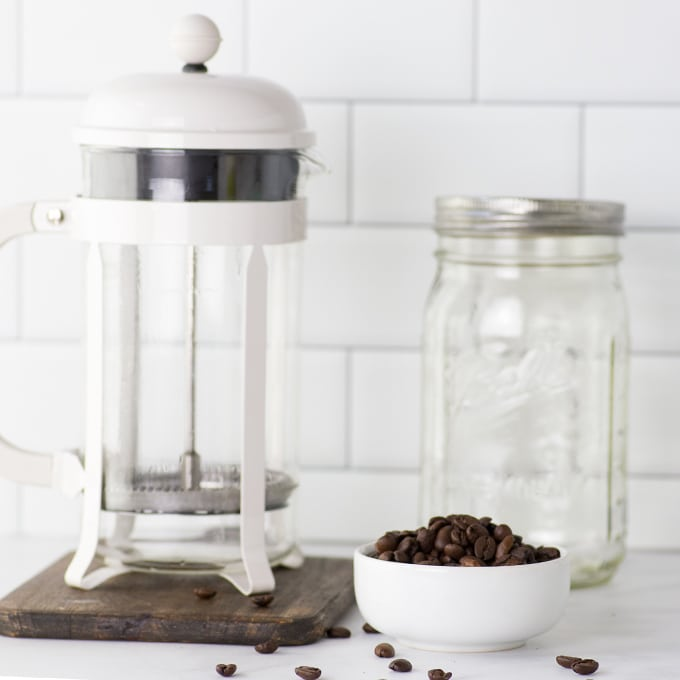 how to make cold brew coffee using a French press or mason jars