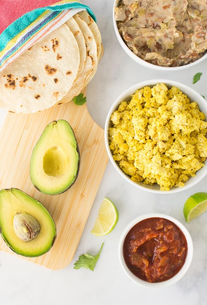 ingredients for how to make vegan huevos rancheros