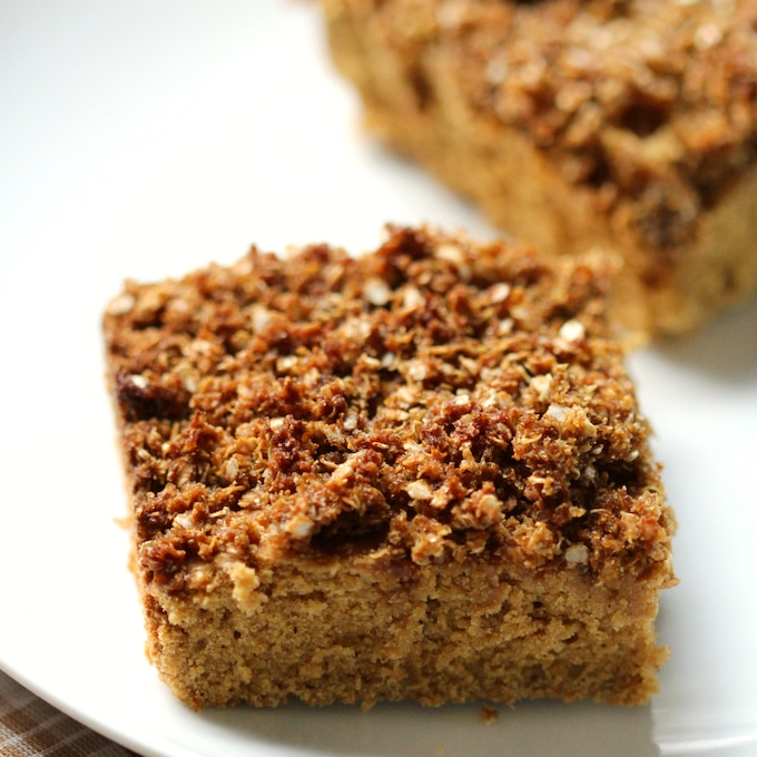 Gingerbread quinoa coffee cake