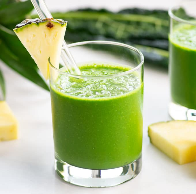 Vegan Pineapple Kale Smoothie + VIDEO!