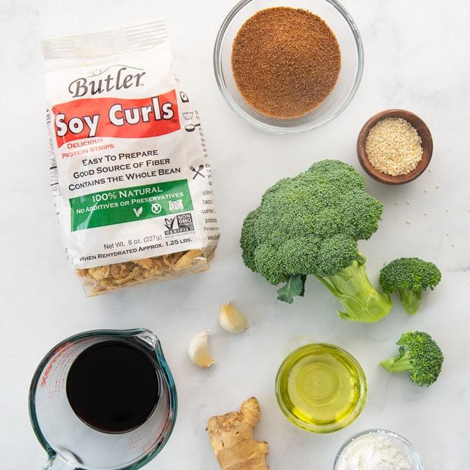 broccoli, soy curls, seasonings, liquid aminos, garlic, ginger