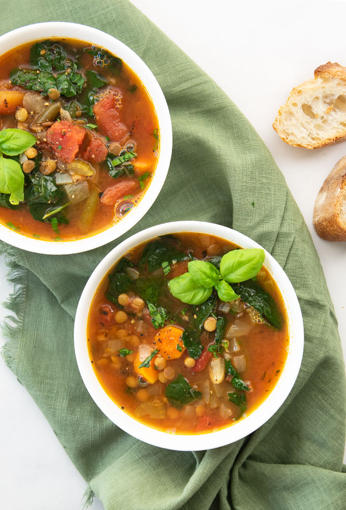 vegan vegetable soup with bread